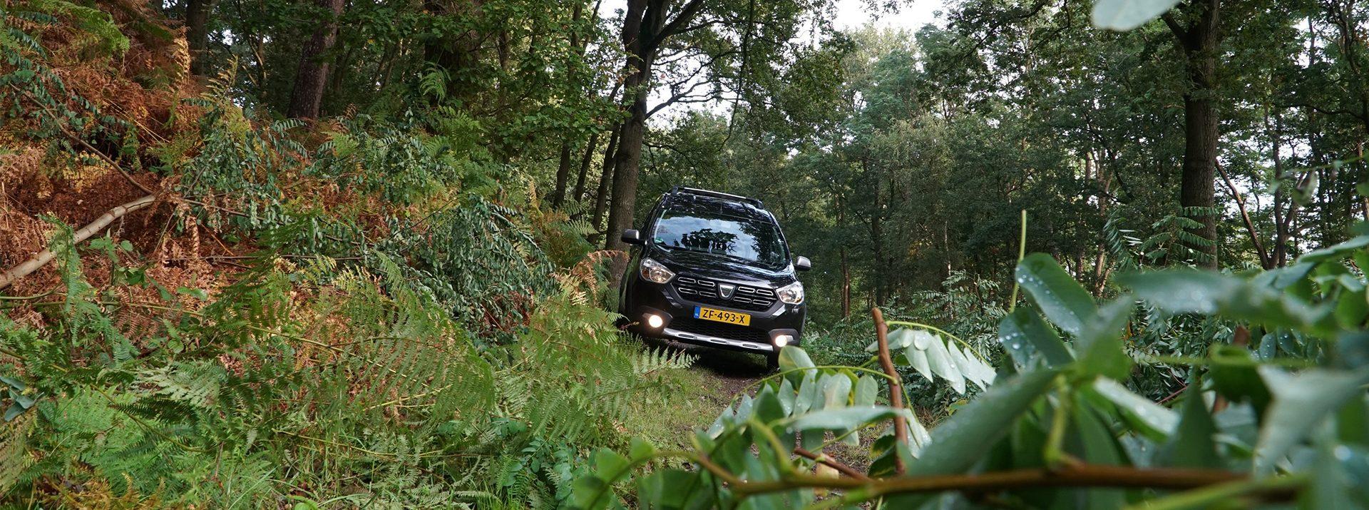 Dacia Dokker off road sfeerfoto