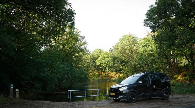 Dacia Dokker lake view